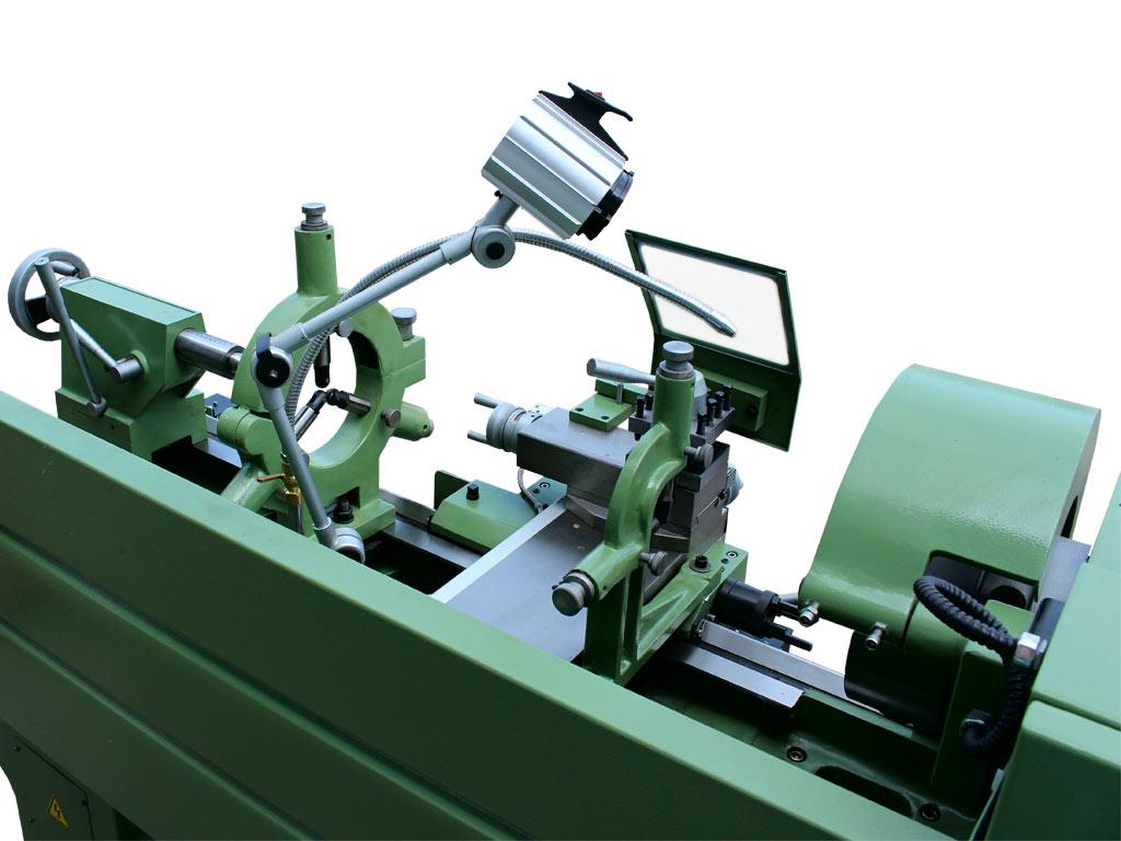 Tornio professionale per Metalli modello Titanius 1000 di Damatomacchine