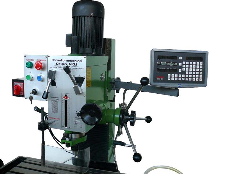 Fresatrice professionale da banco per lavorare i metalli modello Orion 4.0 Digit di Damatomacchine