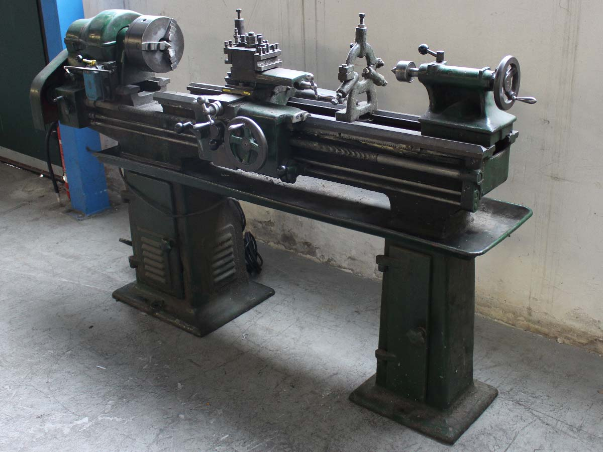 Torni e macchine utensili per metalli usati di for Damato macchine utensili