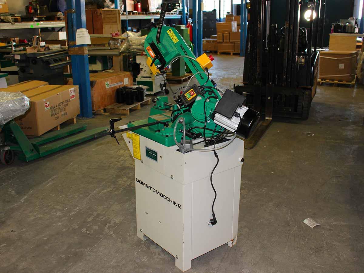 Torni e macchine utensili per metalli usati di damatomacchine dm