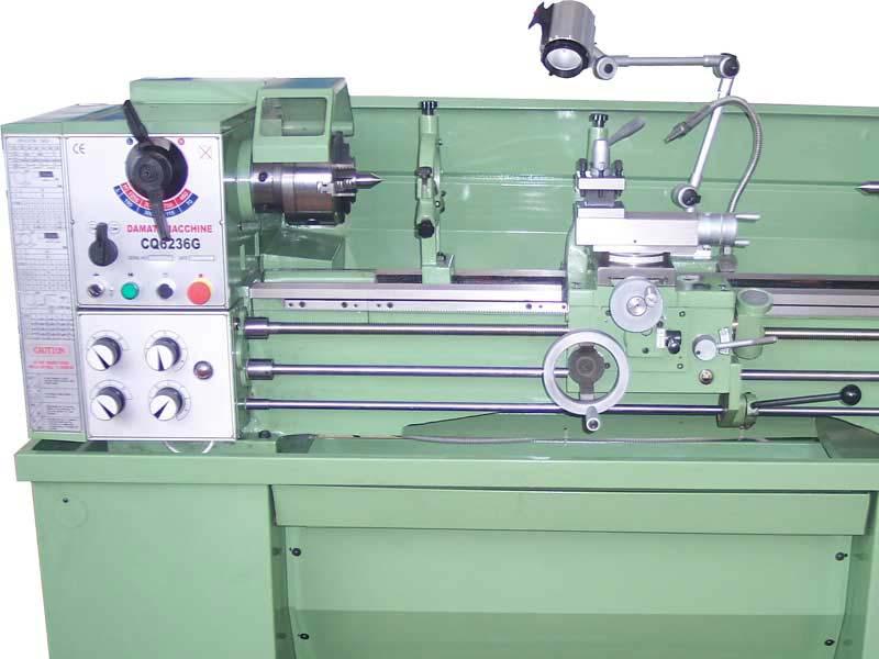Tornio Semi Professionale per lavorare i metalli modello Multitech 1000.38 di Damatomacchine