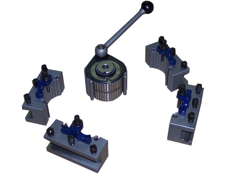 Quick change turret model T00E