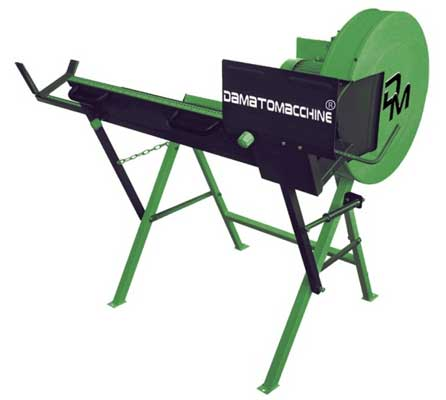 Wood cutting machine with a 400 mm blade