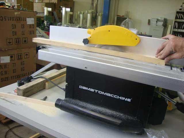 Lavorazione del legno con la macchina per legno cosmos for Piccole planimetrie per la lavorazione del legno